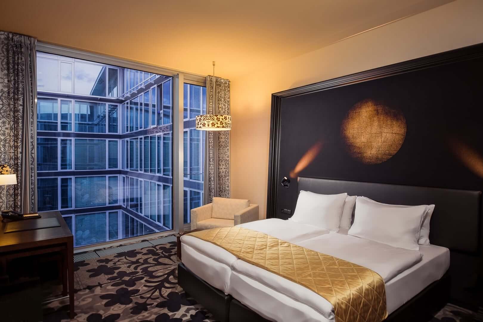 design hotel bonn premium zimmer kameha grand bonn. Black Bedroom Furniture Sets. Home Design Ideas